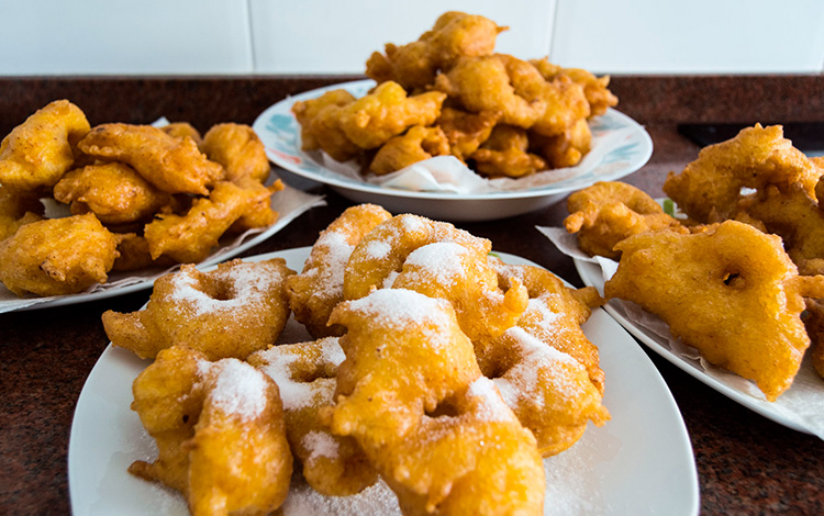 "How to make ""buñuelos"""